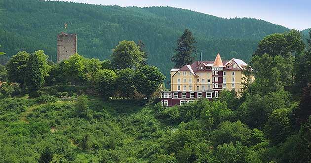 Urlaub über Silvester im Schlosshotel im Schwarzwald, Silvesterurlaub zwischen Offenburg, Freudenstadt, Villingen-Schwenningen und Freiburg im Breisgau